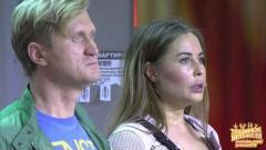 видео уральских пельменей Двое застряли в лифте