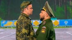 видео уральских пельменей Солдаты разучивают вальс