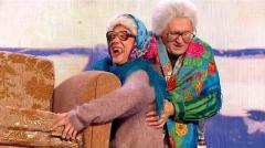 ролик уральских пельменей Бабушки и диван