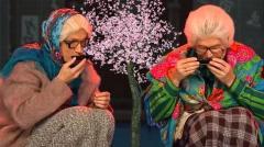 видео уральских пельменей Бабушки в японском ресторане