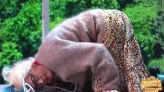 видео уральских пельменей Бабушка на тарзанке