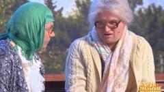 видео уральских пельменей Бабки на скамейке