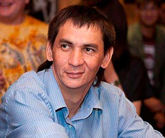 фото актера Александр Попов из уральских пельменей